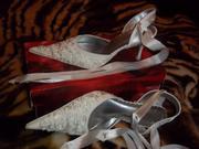 Туфли белые с переплетом на ноге