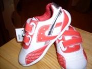 Продам новые кроссовки для девочки!