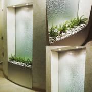 Удивительные и обворожительные водопады по стеклу
